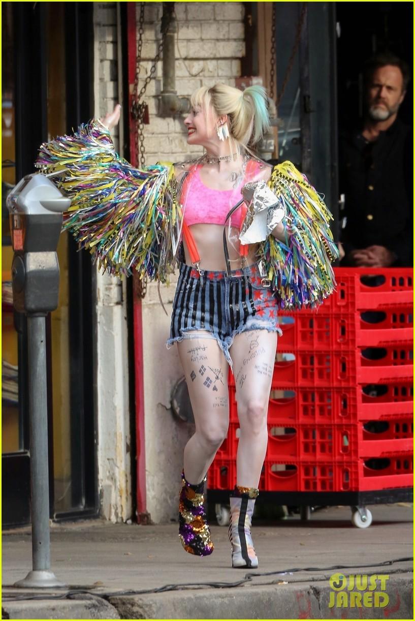 Margot Robbie—Harley Quinn-Birds of Prey-Just Jared-05