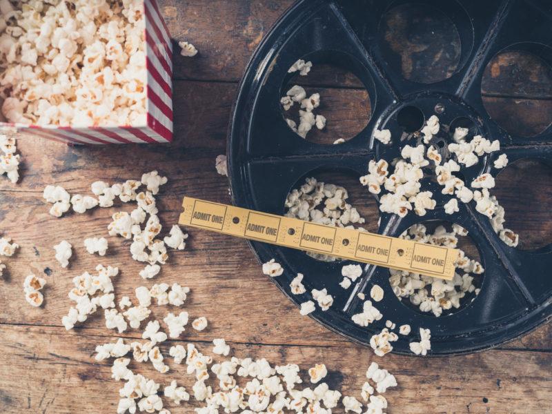 taquillas cinematográficas-cine-películas mexicanas-marketing-Bigstock