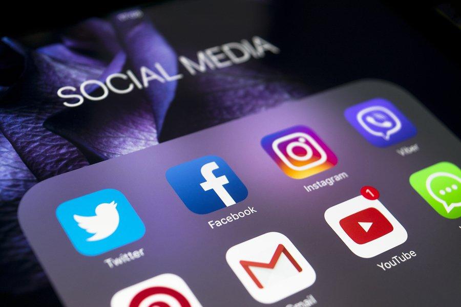 Facebook e Instagram redes sociales