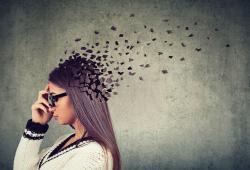 7 maneras en las que estás atrofiando tu cerebro y por las que no rindes en el trabajo