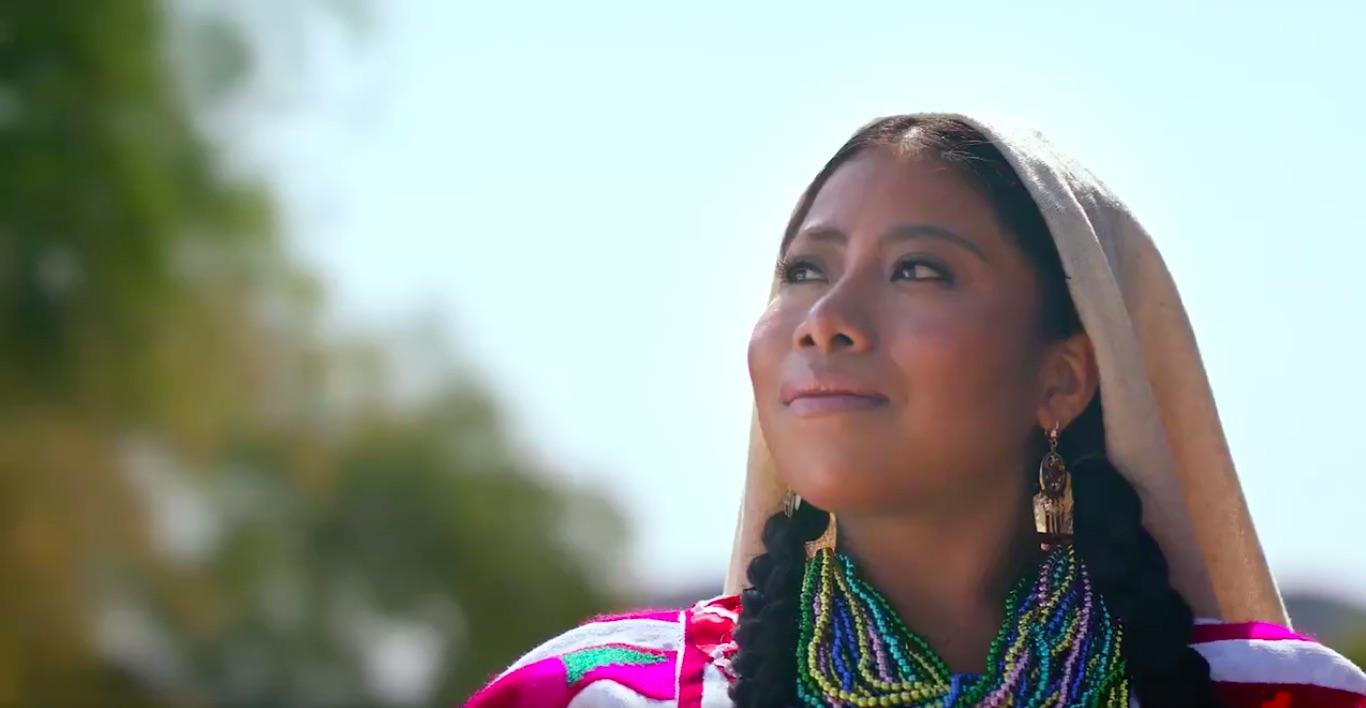 Yalitza Aparicio protagoniza la publicidad de Guelaguetza 2019