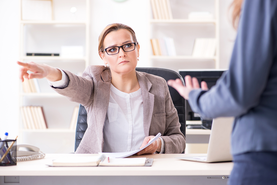 bigstock-Angry-boss-empleo-recursos humanos