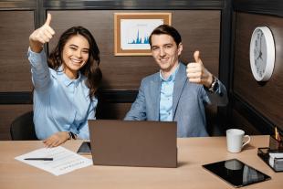 Competir en lo laboral es obsoleto, lo de hoy es compartir tu puesto y tu sueldo: conoce las 3 nuevas tendencias en el trabajo
