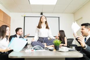 6 trucos para lidiar con un compañero tóxico en el trabajo