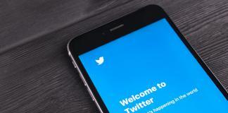 Pantalla de Twitter en smartphone