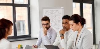 Las 4 aptitudes que delatan al profesional que no está al tanto de las tendencias actuales en los empleos