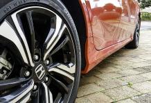 Honda-coche-close-up-rueda