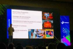 Daniel García, brand manager de Levis, explicó qué hacer cuando el contenido falla y debe solucionarse un caso de emergencia.