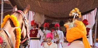 El maharajá de Jaipur en celebraciones en su palacio