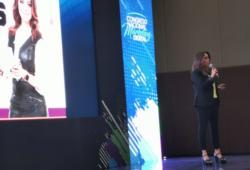 La periodista Gabriela Tlaseca explica los deberes, compromisos y retos que tienen los medios informativos en la era digital.