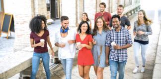 Bigstock-Multiracial-Friends-Gen Z-Generación Z
