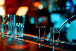 bigstock-bebidas alcohólicas-spirit drinks