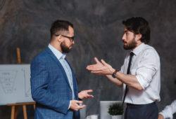 hablar de política en el trabajo