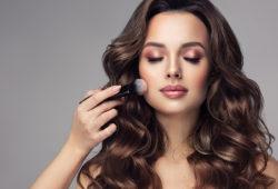 Cómo identificar maquillaje de MAC falso