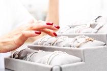 Vender joyería online es un negocio rentable