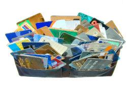 aumenta la solicitud de tarjetas de débito e