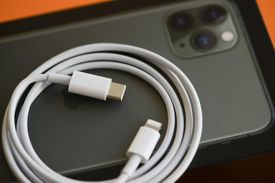 Europa aprueba el cargador único iPhone de Apple, el gran derrotado (1)