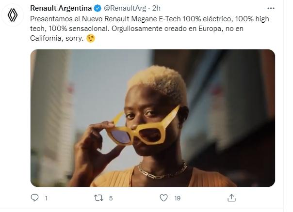 Megane e-tech Renault se burla de Tesla