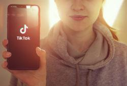 TikTok eliminó millones videos